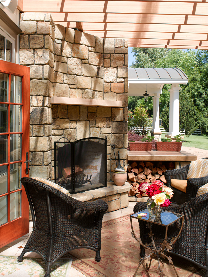 BT_REMOD_OUTDOOR-FIREPLACE_SMALL