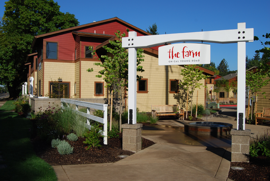 FARM_MULTIFAMILY_EXTERIOR_SMALL
