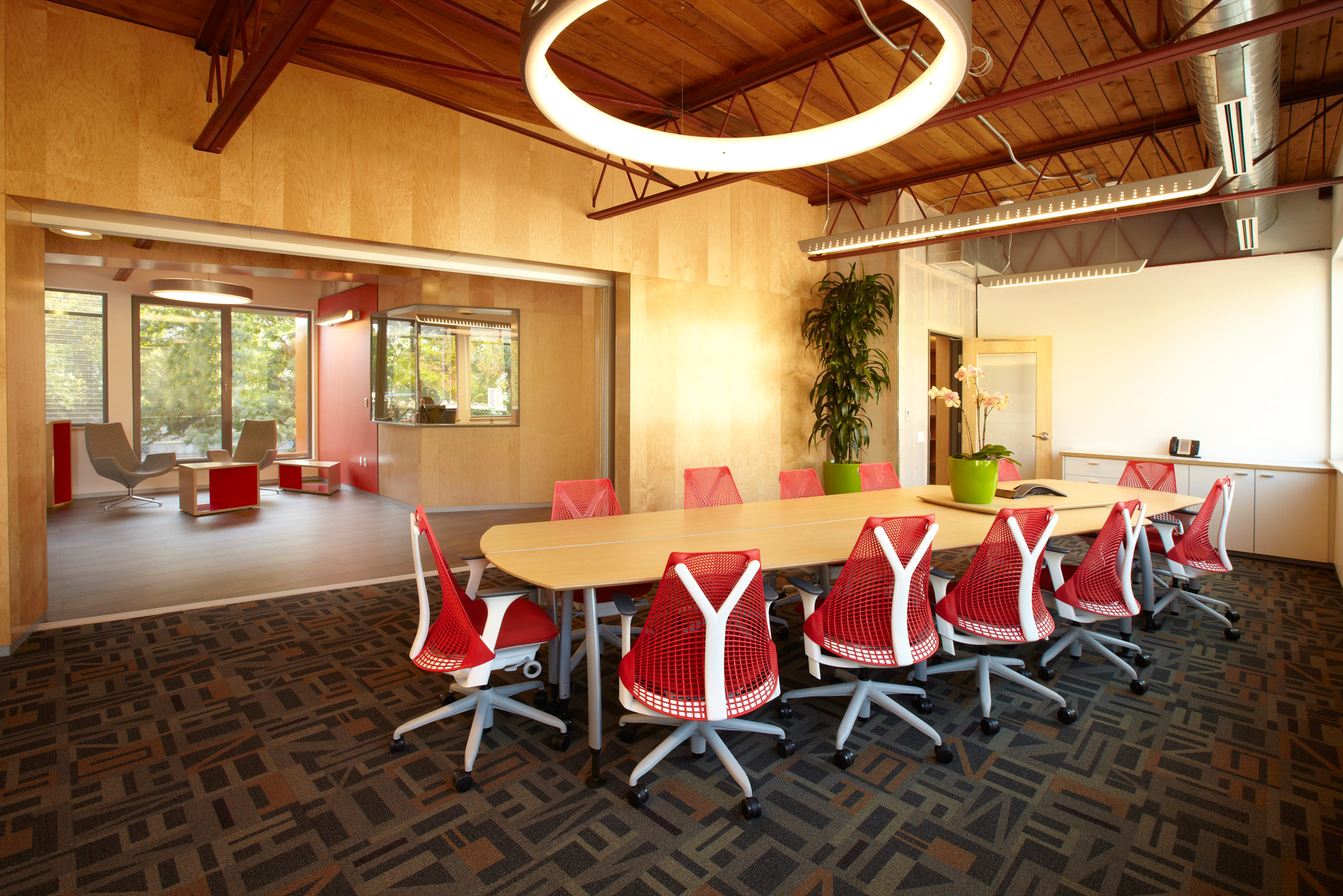 PNWP_COMMERCIAL_MEETINGROOMRED_SMALL2