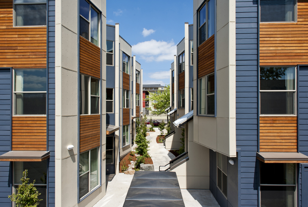 SOLSTICE_MULTIFAMILY_COURTYARD_SMALL